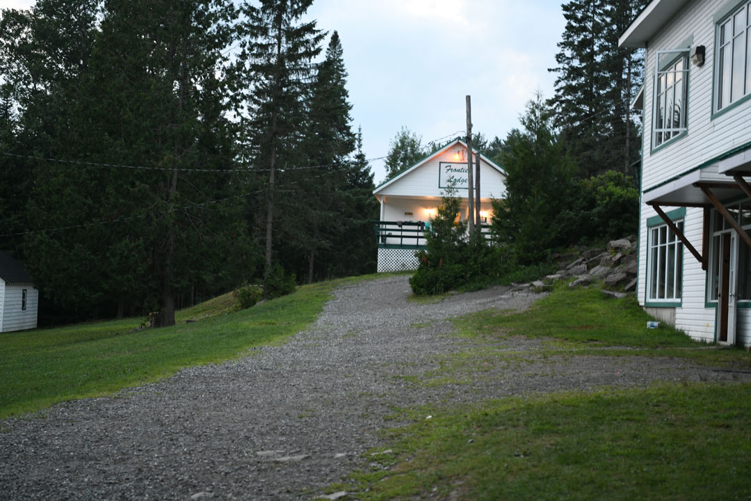 frontiere lodge image 2